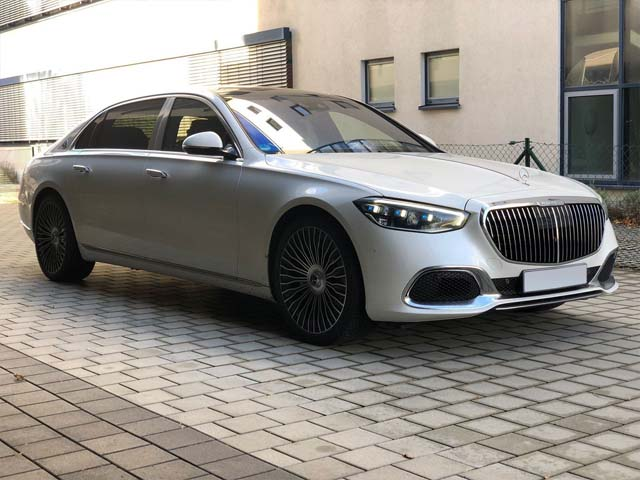 Booking a car and rental the prestige luxury VIP vehicle in Switzerland