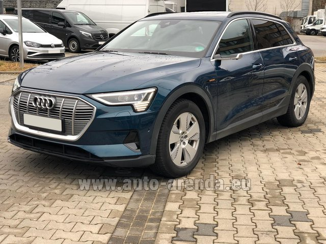 Rental Audi e-tron 55 quattro (electric car) in France