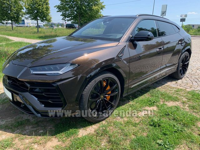 Rental Lamborghini Urus in French Riviera Cote d'Azur