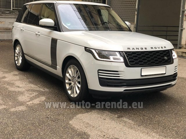 Rental Land Rover Range Rover Vogue P525 in Italy
