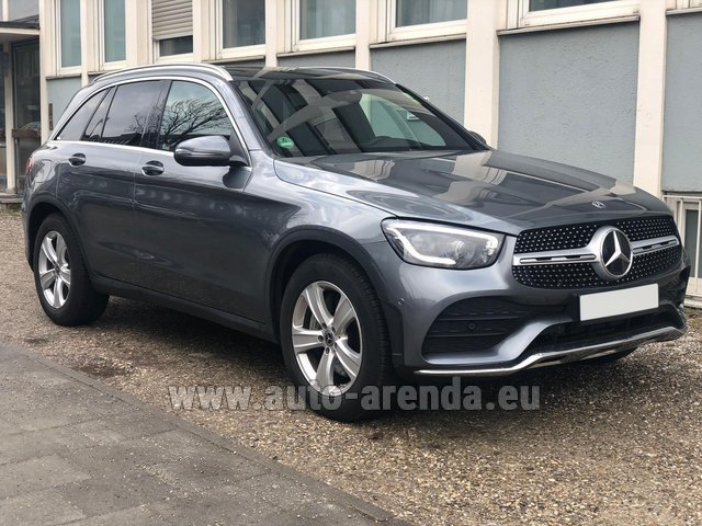 Rental Mercedes-Benz GLC 220d 4MATIC AMG equipment in Italy