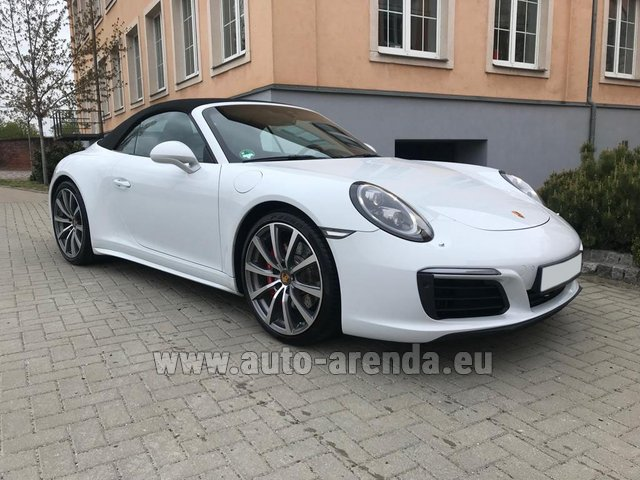 Rental Porsche 911 Carrera 4S Cabrio in Spain