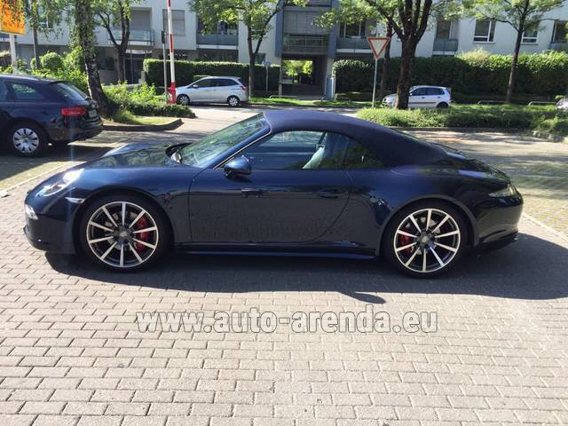 Rental Porsche 911 Carrera 4S Cabriolet in Spain