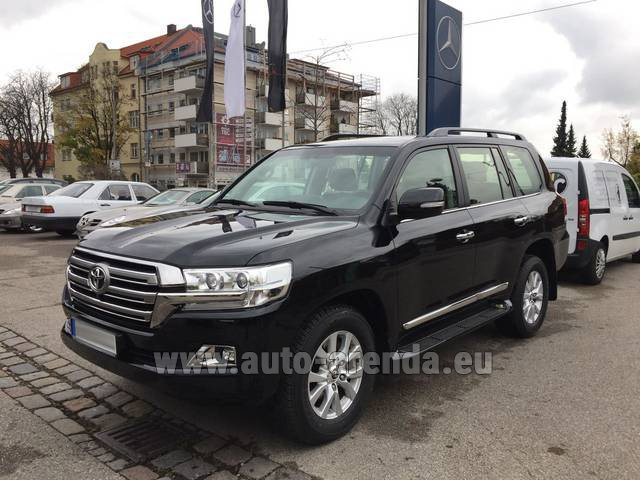 Rental Toyota Land Cruiser 200 V8 Diesel in Luxembourg
