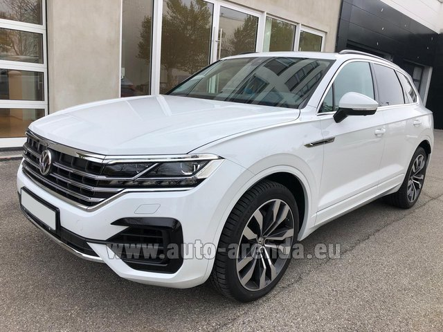 Rental Volkswagen Touareg 3.0 TDI R-Line in Spain